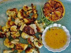 Hunajaiset kukkakaalit - Hunajainen SAM Cauliflower, Vegetables, Food, Cauliflowers, Essen, Vegetable Recipes, Meals, Cucumber, Yemek