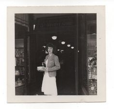 Vintage Photo Pretty Young Woman, Woolworth's, 1940's Fashion, Feb