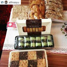 From: cemilan.larisin.com cemilansnack: #Repost @alfinaayu  Yeyyyy paket udh nyampe.. Thanks @jajanan_bandung ga sabar nunggu buka puasa #sayasuka #bananaroll #bolenbandung #wingko #cireng #cheeseroll #chocoroll #pisangbolen #makanyukz #makananonline #instasize #foodstagram #onlinefood #instafood #brosispku #dealpku #kulinerpku #kueenak #kuebandung #cemilanbandung #pkulaper #pkulover #cemilanpku #jajananpku #jajananpekanbaru #jajananbandung #emakjajan Thanks sista cantikkk uda jajan BANANA…