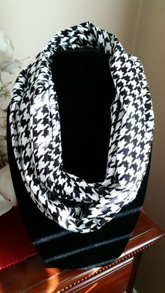 Black and White Houndstooth Snuggle Flannel by SittisHands on Etsy