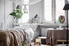 44 Modern Bedroom Scandinavian Decor To Amazing Interior Design Modern Bedroom, Bedroom Decor, Modern Scandinavian Interior, Swedish House, Decoration, Furniture Design, Home Decor, Gothenburg Sweden, Studio Apartment