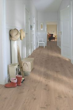 Pergo Laminate Golf - Long Plank 'Drift Oak' in a rural hall., The Effective Pictures We Offer You About how to lay laminate flooring A qua Laying Laminate Flooring, Linoleum Flooring, Hardwood Floors, Garage Flooring, Rubber Flooring, Parquet Flooring, Stone Flooring, Floor Design, House Design