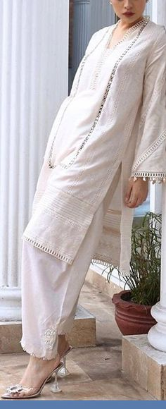 Nice Dresses, Casual Dresses, Casual Outfits, Fashion Outfits, Women's Fashion, Pakistani Dresses Casual, Pakistani Dress Design, Kurta Style, Casual Trends