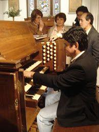 UNUS MAGISTER, OMNES FRATRES: EL ALCANCE ESPIRITUAL DE LA MUSICA DE BACH. Piano, Music Instruments, Baroque, Spirituality, Musical Instruments, Pianos