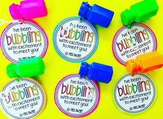Student Gifts Discover Back to School/Beginning of Year Gift tag for bubbles. Easy back to school gift for students from teachers Welcome To Kindergarten, Kindergarten Gifts, Welcome Back To School, Kindergarten Classroom, Preschool Gifts, Preschool Class, School Classroom, Preschool Activities, Back To School Gifts For Kids