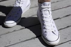 How to secure shoe laces without using a knot