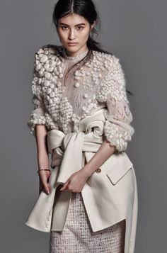 Sui He Le pull ! Knit Fashion, Runway Fashion, High Fashion, Womens Fashion, Haute Couture Style, Textiles, She Walks In Beauty, Indie, Collage Vintage