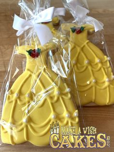 👸 Princess Belle Cookies! How adorable is this!!! #everygirlisaprincess #princessbelle #makeawishcakes