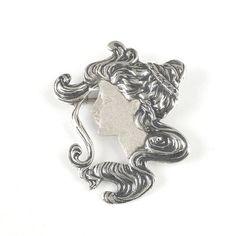 Brooch/Pendant Sarah. Available at artdecowebstore.com. - Broche/ Hanger Sarah. Verkrijgbaar bij artdecowebwinkel.com.