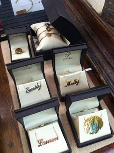 Love it when our retail partners merchandise their Sarah Chloe samples so beautifully!