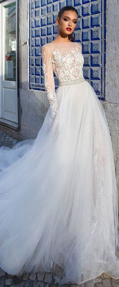 Fashionable Tulle Bateau Neckline See-through Bodice A-Line Wedding Dress With Lace Appliques & Beadings