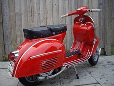 out the curves on her. Piaggio Vespa, Lambretta Scooter, Vespa Scooters, Scooter 50cc, Scooter Garage, Vespa Super, 50cc Moped, Mopeds For Sale, Classic Vespa