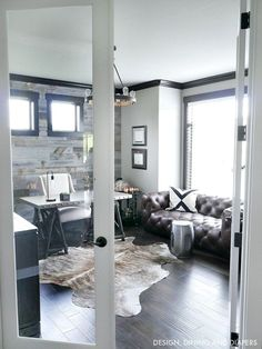 Modern Rustic home Office with glass French doors and masculine touches. Such a classic yet industrial office design. : Modern Rustic home Office with glass French doors and masculine touches. Such a classic yet industrial office design. Industrial Home Offices, Rustic Home Offices, Industrial Office Design, Industrial Metal, Industrial House, Modern Rustic Office, Modern Rustic Homes, Modern Office Design, Workplace Design