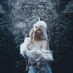 Bella Kotak - Jodi Lakin - unicorn horn Fairytas - You are the Moon