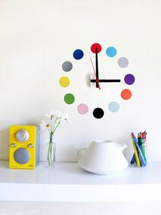 minimalistisch verspielt coole Wanduhren bunt punkte