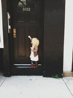 love this beautiful shot and gorgeous little outfit from http://bleubirdvintage.typepad.com/
