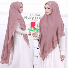 Khimar Rayne by Gallery Syarifah Jilbab Ceruti 2 Layer Hiasan Swarovski 12 Milo Kebaya Muslim, Muslim Dress, Hijab Dress, Hijab Fashion, Fashion Dresses, Hijab Cartoon, Hijab Tutorial, Islamic Fashion, Mode Hijab