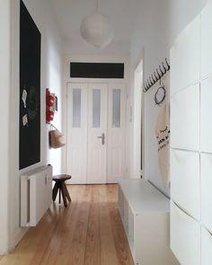 Schön Nach Hause Zu Kommen ❄ | SoLebIch.de Foto: Randau_im_Altbau #solebich  #flur #ideen #gestalten #Garderobe #Treppe #Eingang #Wandfarbe #schmaler ...