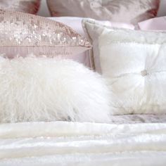 10 Ways To Make Your Living Room Extra Glam | J'adore Lexie Couture