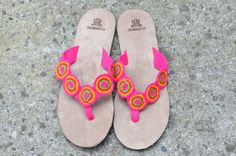 "Typical Wayuu Indian footwear called ""Wayrenas."" Handmade by a member of this tribe with a design called ""Disk"". www.colombiart.co Palm Beach Sandals, Buy Shoes, Women's Shoes Sandals, Footwear, Indian, Handmade, Stuff To Buy, Design, Fashion"