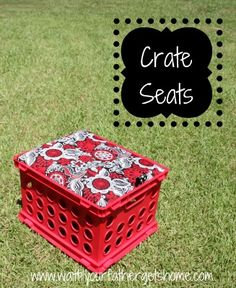 This would be awesome around my pool deck {fabric covered crate seats} New Classroom, Classroom Setup, Classroom Design, Kindergarten Classroom, Classroom Organization, Classroom Management, Milk Crate Seats, Milk Crates, Crate Storage