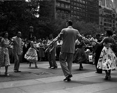 1954: The New York Chapter of Dance Masters of America gives a lesson.  Find dance classes on the lawn this summer. Photo by New York Daily News.