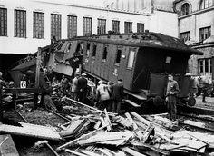 Junaonnettomuus, postijuna ajoi 28.8.1926 asemarakennuksen...