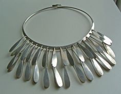 If you love modernist jewelry half as much as I do you must visit Auerbach & Maffia . Artist such as Betty Cooke, Art Smith, Ed W. Jewelry Tools, Jewelry Art, Silver Jewelry, Jewelry Necklaces, Jewelry Ideas, Statement Jewelry, Metal Jewelry, Jewelry Making, Elsa