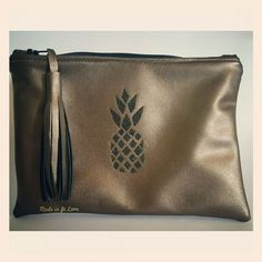Pochette Ananas via Made in fr Love. Click on the image to see more!