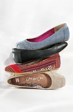 Tom's Flats.... I need all of these! Best flats to wear to work EVER!