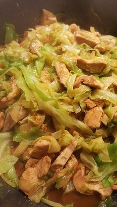 Hähnchenpfanne mit Spitzkohl Chicken pan with pointed cabbage, a popular recipe from the poultry category. Crock Pot Recipes, Healthy Chicken Recipes, Pasta Recipes, Vegetarian Recipes, Dinner Recipes, Vegetable Recipes, Baking Recipes, Keto Chicken, Fish Recipes