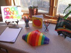 2010 016 provocation for coloursprovocation for colours Reggio Classroom, Preschool Classroom, Classroom Activities, Toddler Activities, Full Day Kindergarten, Reggio Emilia Approach, Classroom Environment, Preschool Science, Toddler Play