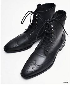 Deluxe Tanned Wingtip Ankle Boots Shoes - 42- Black Price: 270$