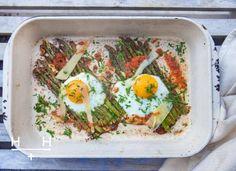 Oven-baked asparagus & eggs