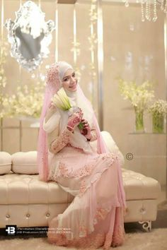diana amir in her wedding day. (actually i'm indonesian, i dont really know diana amir, but i love the her wedding dress)