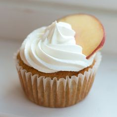 The Ginger Cook: Peaches and Cream Cupcakes