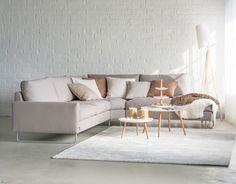 Free-kulmasohva + Diva-sohvapöydät.