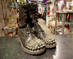 Custom Spiked Combat Boots Size 9 Men's...might as well just kick me in the huevos. Nope, Nope and more Nope.