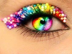 Rainbow colours - eye make-up Pretty Eyes, Cool Eyes, Beautiful Eyes, Amazing Eyes, Eye Makeup Art, Eye Art, Ugly Makeup, Weird Makeup, Rainbow Eyes