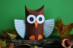 Eule aus Klopapierrollen basteln Paper Crafts - The Ultimate Craft Ideas Paper crafts had been very Projects For Kids, Diy For Kids, Crafts For Kids, Craft Projects, Paper Towel Roll Crafts, Paper Plate Crafts, Owl Crafts, Diy And Crafts, Christmas Crafts