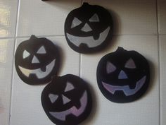 calabazas con sopapa hechas con radiografias viejas. wwww.lacaloatamosconalambre.com