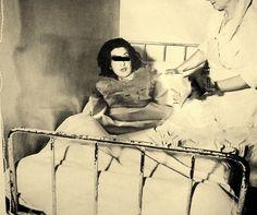 https://flic.kr/p/vf6Bn5 | Past Psychiatry images, patients in psychiatry,Historische Psychiatrie Bilder,Patienten in der Psychiatrie,Psychiatry Straitjacket,Patienten Fixierung in einer Zwangsjacke,Woman in a psychiatry with straitjacket Restraint,Frau in der Psychiatrie mit einer | Psychiatriemuseum ,Bilder um 1950