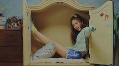 Another k-girl group member decided to come out of the closet #twice #knockknock #twicebop #jyp #sana #mina #nayeon #jungyeon #chaeyoung #dahyun #tzuyu #jihyo #momo