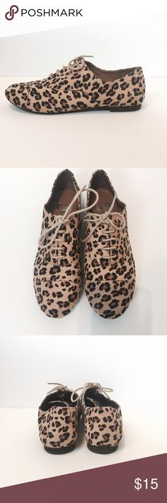 GIANNI BINI Leopard Oxfords | sz 7.5 EXCELLENT CONDITION: Worn once. Fabric upper, leather sole. Gianni Bini Shoes Flats & Loafers