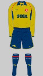2001-2002 Arsenal Kit