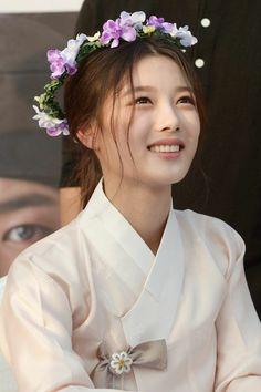 Kim Yoo Jung Photoshoot, Kim Joo Jung, Dramas, Jessica & Krystal, Moonlight Drawn By Clouds, Park Go Bum, Korean Actresses, Korean Actors, Chinese Actress