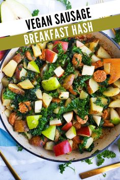Vegan breakfast hashbrown recipe with plant based sausage, kale, pears, and potatoes. This homemade hash is easy to make and great for a vegetarian breakfast. Skillet potatoes that are delicious and healthy! The veggie hash is made with diced potatoes and the vegan sausage of your choice. Best recipe for adding more vegetables to your diet! Try this vegetarian and vegan friendly breakfast idea this weekend. For more healthy breakfast ideas visit USAPears.org and follow us on Pinterest! Pear Recipes Breakfast, Healthy Breakfast On The Go, Vegetarian Breakfast, Brunch Recipes, Breakfast Ideas, Vegetarian Recipes, Healthy Recipes, Skillet Potatoes, Diced Potatoes