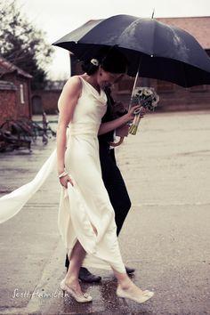rain on your wedding day is good luck right? Rainy Wedding, On Your Wedding Day, Wedding Day Inspiration, Wedding Ideas, Uk Bride, Love Rain, Walking In The Rain, Big Day, Real Weddings