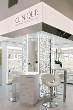 Clinique shop at Selfridges London 03 Pop Design, Stand Design, Display Design, Booth Design, Pharmacy Design, Retail Design, Visual Merchandising, Selfridges London, Cosmetic Shop