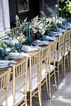 Nature of love Wedding Popular Wedding Colors, Winter Wedding Colors, Dubai Wedding, July Wedding, Dresser La Table, Blue Wedding Receptions, Table Set Up, Wedding Table Settings, Flower Centerpieces